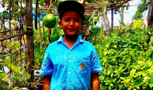 ด.ช.กฤษณศักดิ์ ฉิมพาลี สมาชิกกลุ่มยุวเกษตรกร โรงเรียนบ้านห้วยยาง
