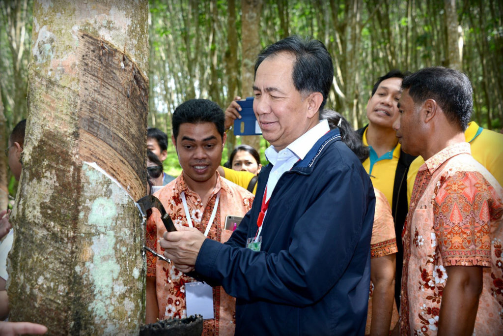 นายกฤษฎา บุญราช รัฐมนตรีว่าการกระทรวงเกษตรและสหกรณ์ ...มุ่งหวังให้เกษตรกรทั่วประเทศได้ประโยชน์จากโครงการไทยนิยมยั่งยืนไม่ต่ำกว่า 4.3 ล้านคน