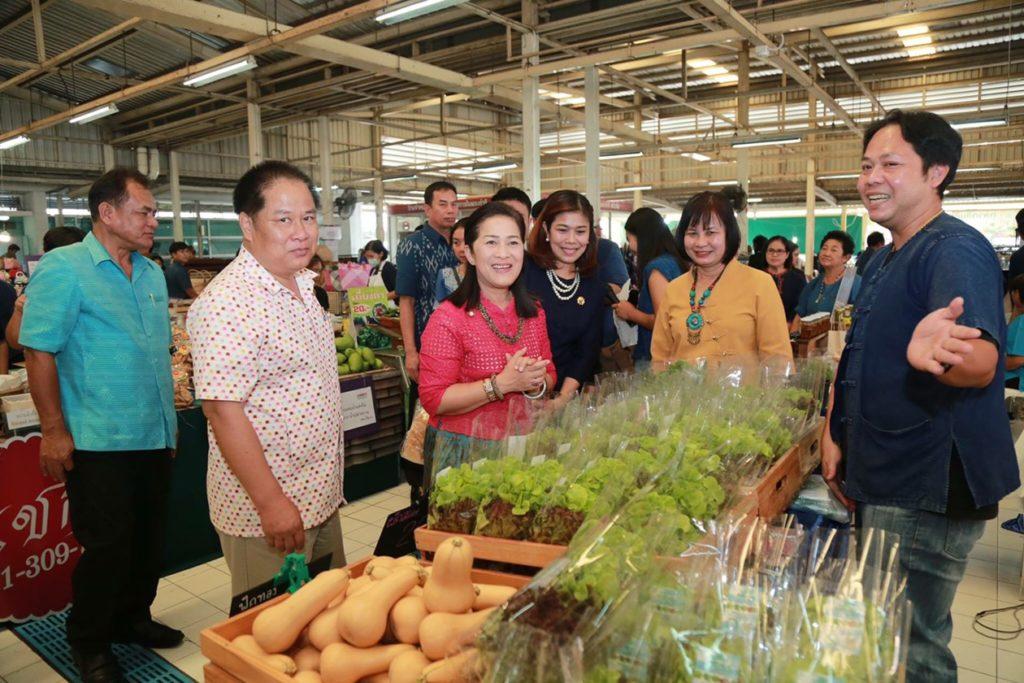 สสก.1 เปิดตลาด 'สินค้าดี วิถีเกษตรไทย' สนองนโยบายตลาดนำการผลิต หวังผลักดันสินค้าเกษตรเข้าสู่ระบบตลาดอย่างเข้มแข็งและยั่งยืน