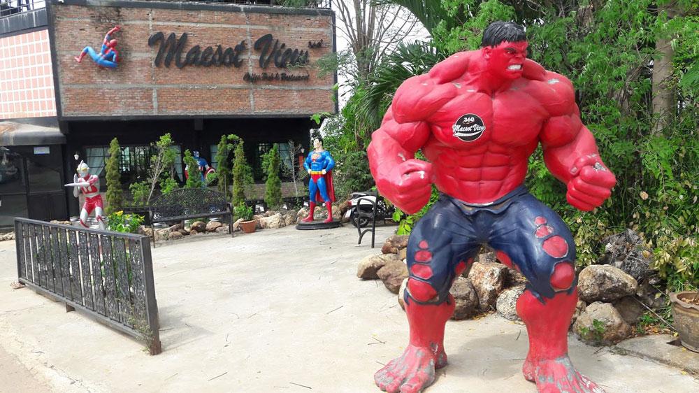 ร้านนี้ชื่อ...แม่สอดวิว 360 องศา...ทำให้เกิดแรงบันดาลใจขั้นสุดท้ายว่าว่า...เกษตรกรคือยอดมนุษย์ของคนไทย