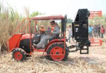 เครื่องสางใบอ้อยตราช้าง รุ่น SLR110H ตัวช่วยเกษตรกร...ไม่เผาอ้อย