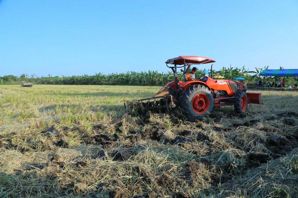 ลั่นฆ้องหยุดเผา...เกษตรกรนครปฐมลงสัตยาบันไม่เผาอีกต่อไป