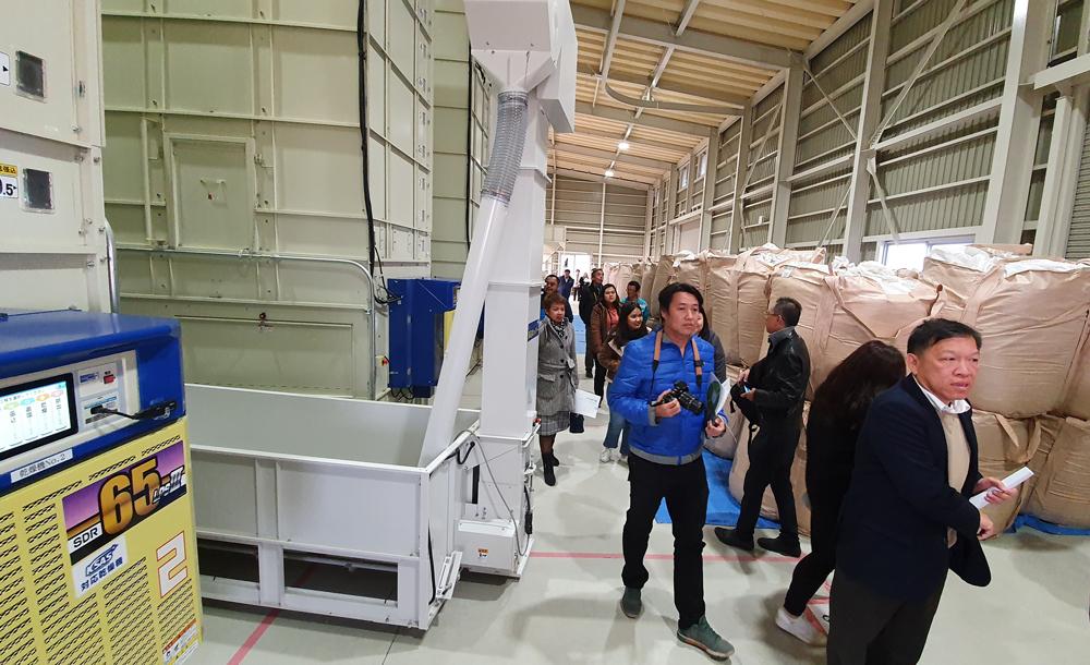 โรงสีแห่งนี้ใช้ระบบจัดการเกษตรกรรมอัจฉริยะจากคูโบต้า หรือ KUBOTA Smart Agri System (KSAS)