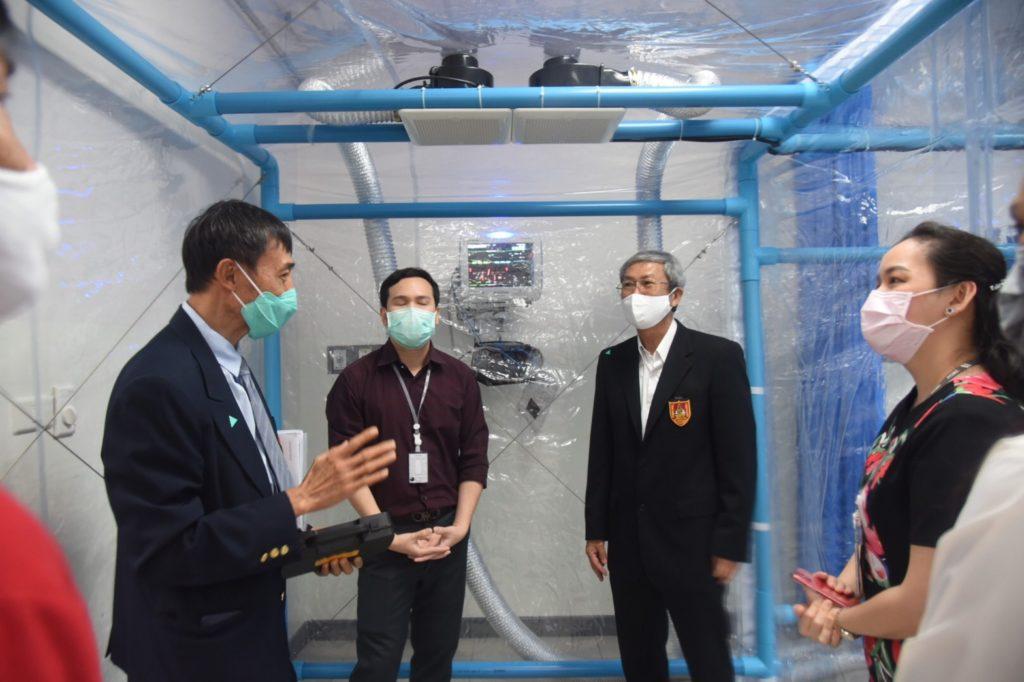 """""""สยามคูโบต้า"""" ผลิตตู้ความดันลบ ช่วยเหลือผู้ป่วย COVID-19 ให้ 18 โรงพยาบาล ในสังกัดของรัฐทั่วประเทศ โดยติดตั้งศูนย์การแพทย์ปัญญานันทภิกขุฯ เป็นแห่งแรก"""