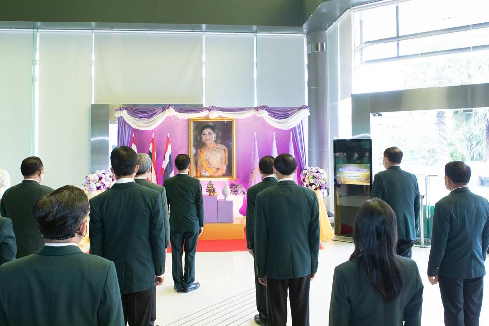 ธ.ก.ส. จัดพิธีถวายพระพรชัยมงคล สมเด็จพระนางเจ้าฯ พระบรมราชินี