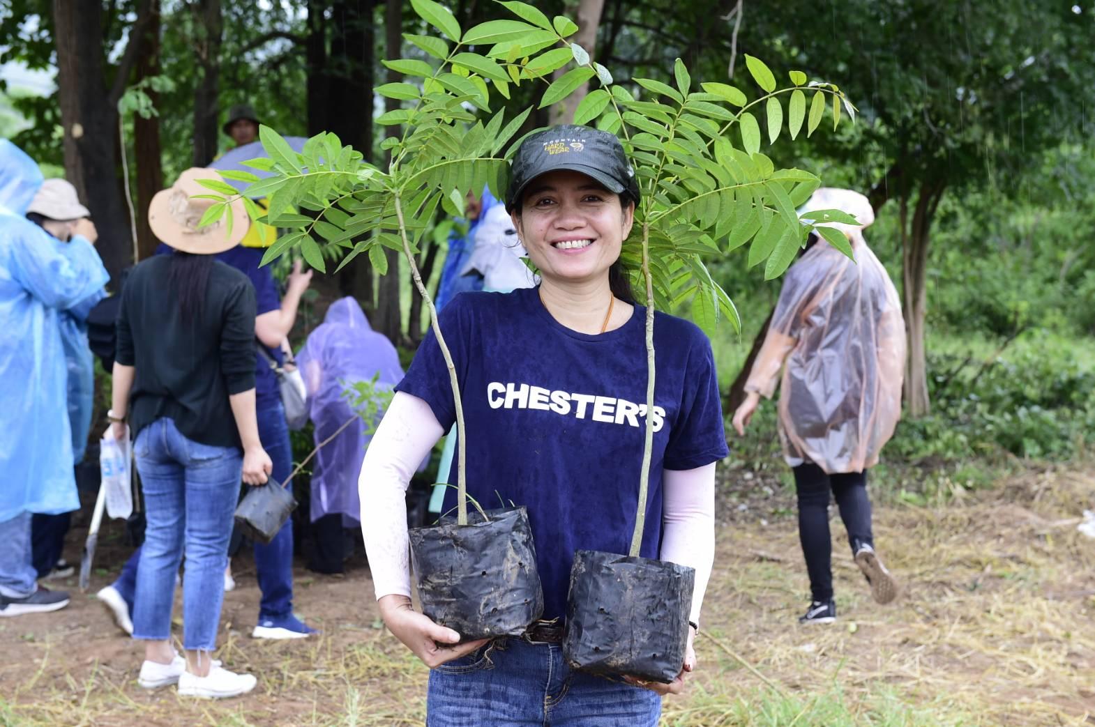"""เชสเตอร์ปันรัก ปันน้ำใจ ปีที่ 8 ร่วมปลูกป่า """"โครงการซีพีเอฟรักษ์นิเวศ ลุ่มน้ำป่าสัก เขาพระยาเดินธง"""""""