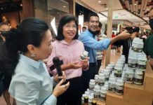 """""""กรมเจรจาฯ"""" ปลื้ม! คนร่วมงาน """"FTA Fair : สินค้าเกษตรไทย ก้าวไกลด้วย FTA"""" คึกคัก! หวังช่วยกระตุ้นเศรษฐกิจภาคเหนือตอนล่าง เพิ่มช่องทางขายในตลาดการค้าเสรี"""