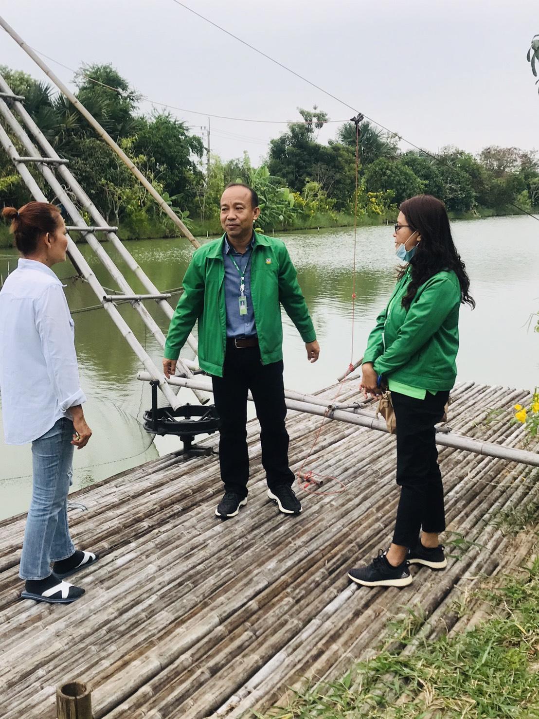 ธ.ก.ส.นนทบุรี ลงพื้นที่ธุรกิจชุมชนสร้างไทย-ไทรน้อย
