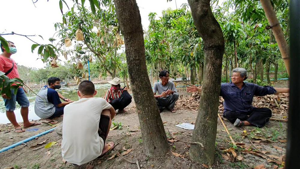 การเสวนาล้อมวงคุยกันในสวนของเกษตรกรจะถูกพัฒนาต่อยอดให้เป็นที่ยอมรับกันมากขึ้น