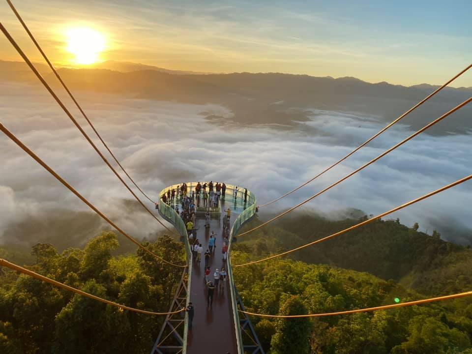 Skywalk ทะเลหมอกอัยเยอร์เวง (ภาพจากเฟสบุ๊คเฉลียว คงตุก)