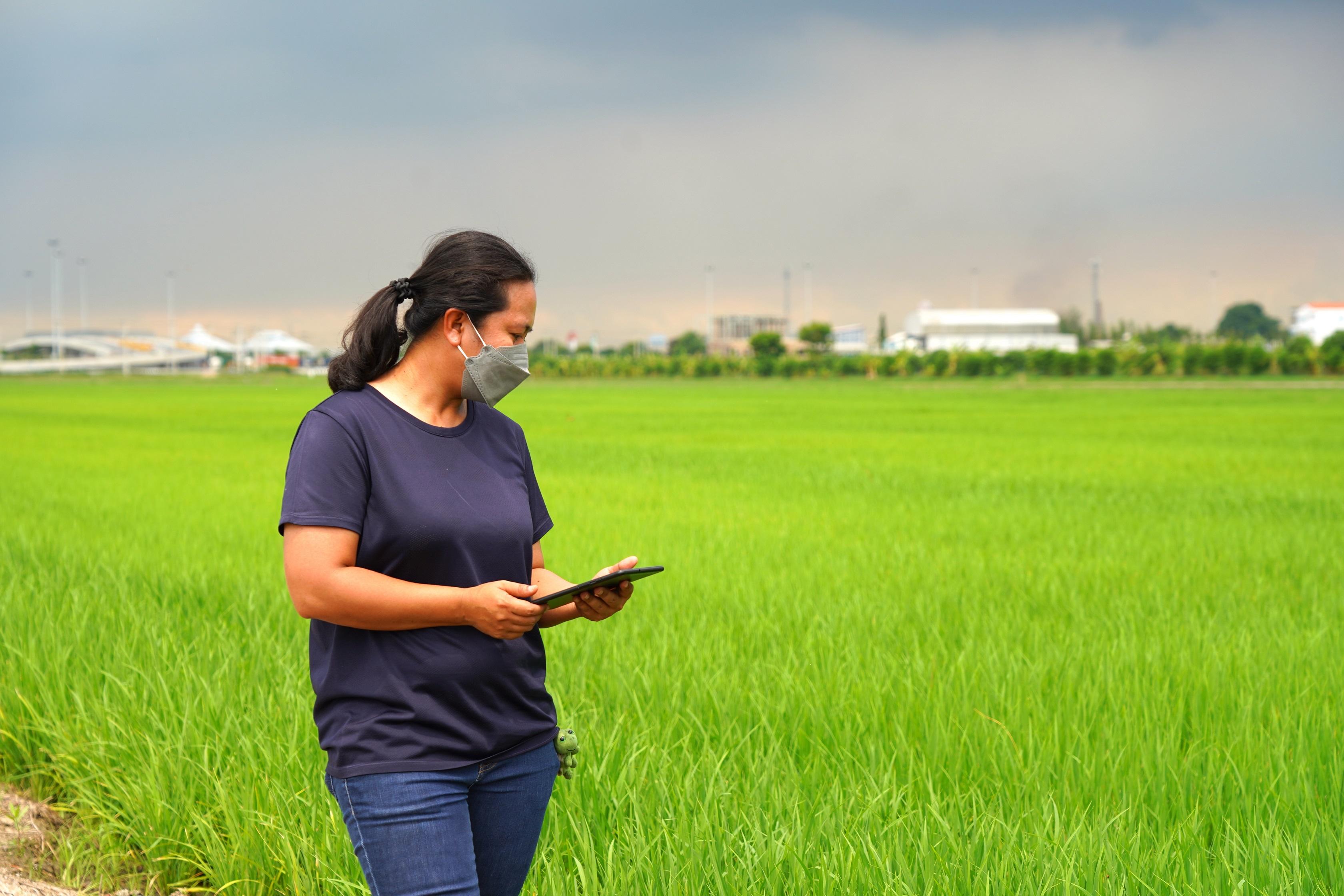 เออาร์วี ร่วมกับ ซัมซุง ส่งหลากโซลูชันช่วยอัพเกรดเกษตรกรไทยก้าวสู่สมาร์ทฟาร์มเมอร์ พร้อมเผยแผนปั้น 3 ดีพเทค ส่งตรงถึงแปลงเกษตรทุกพื้นที่